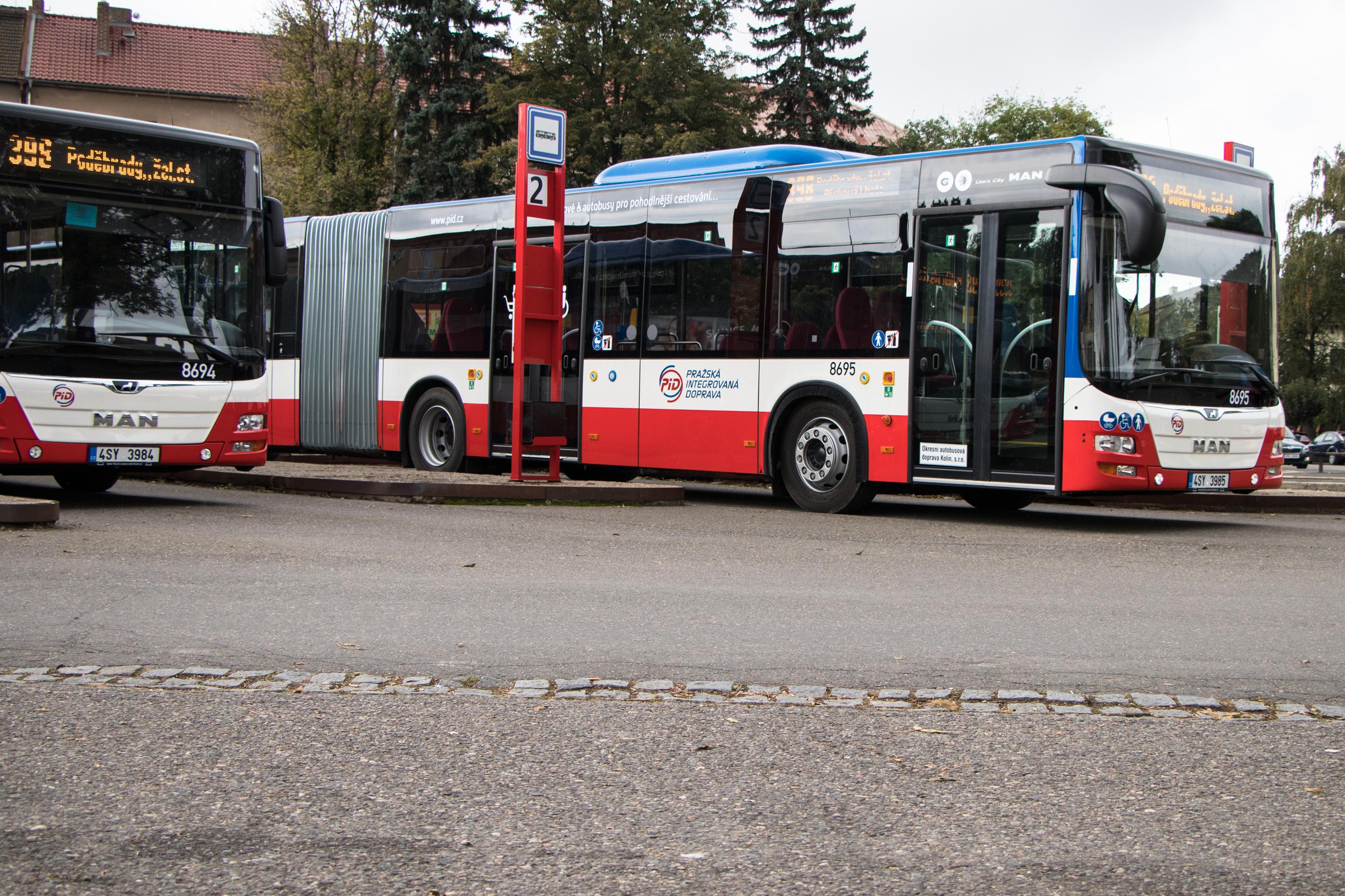 OAD Kolín nasadí na Nymbursku 7 nových kloubových autobusů MAN Lion´s City G